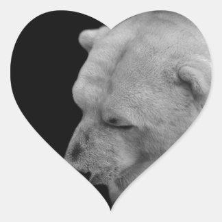 Oso polar en blanco y negro pegatina en forma de corazón