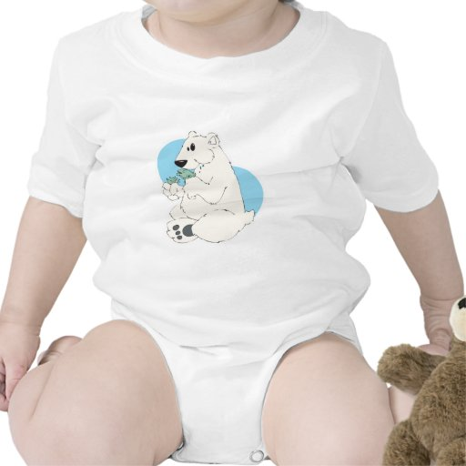 oso polar que come pescados camisetas