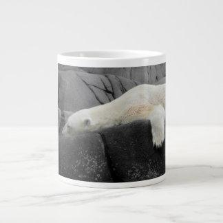 Oso polar soñoliento taza grande