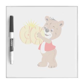 oso que toca los platillos shirt.png rojo tablero blanco