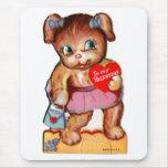 Oso retro Cub del kitsch de la tarjeta del día de  Alfombrilla De Ratón