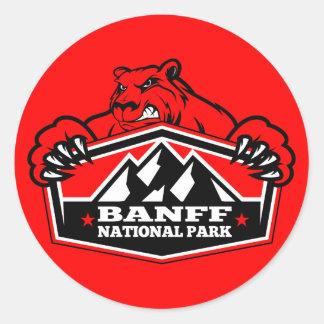Oso rojo del parque nacional de Banff Pegatina Redonda