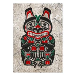 Oso rojo y verde agrietado del alcohol del Haida Tarjeta De Negocio
