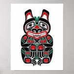 Oso rojo y verde del alcohol del Haida Poster