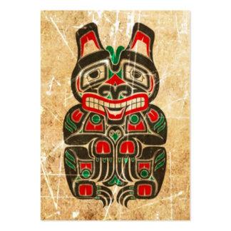 Oso rojo y verde rasguñado y llevado del alcohol d plantilla de tarjeta personal