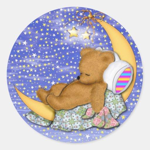 Oso soñoliento de la luna etiquetas redondas