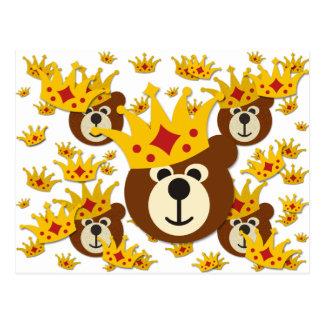 Oso sonriente con la corona postal
