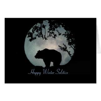 Oso y luna felices del solsticio de invierno tarjeta de felicitación