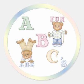 Osos de peluche de la diversión del alfabeto etiqueta redonda