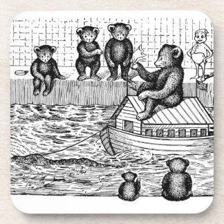 Osos de peluche en la bañera y montar una arca posavasos de bebida