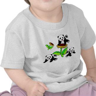 Osos de un girasol y de panda camisetas
