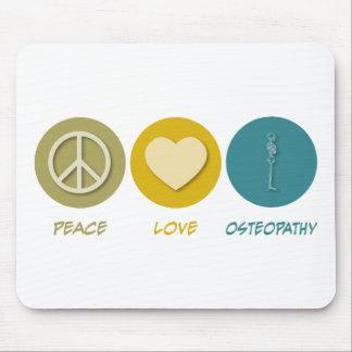 Osteopatía del amor de la paz tapetes de ratón