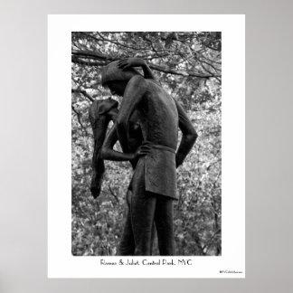 Otoño del Central Park: Estatua 01 B&W de Romeo y Posters