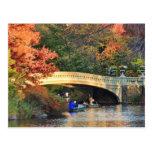 Otoño en Central Park: Navegantes por el puente Postales