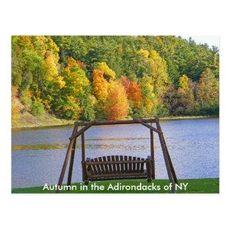 Otoño en el Adirondacks de la postal de NY