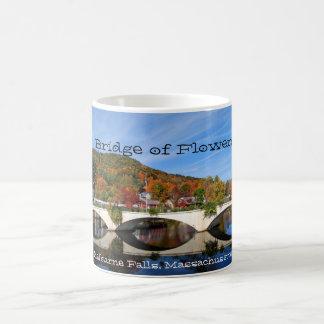 Otoño - puente de flores, taza escénica