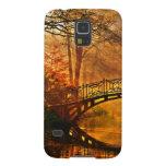 Otoño - puente viejo en parque brumoso del otoño fundas de galaxy s5