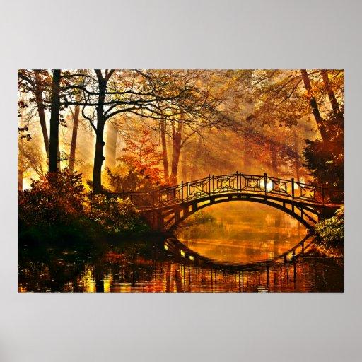 Otoño - puente viejo en parque brumoso del otoño posters