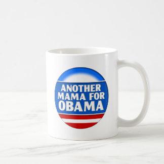 Otra mamá para Obama Taza Clásica