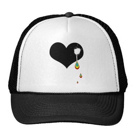 ouch. corazón del arco iris gorras