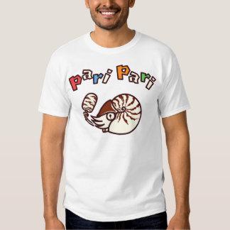 < oumu shellfish and the Paris Paris bar > T Shirt