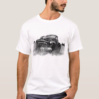 'Out to Pasture' Old GMC Truck in field T-Shirt
