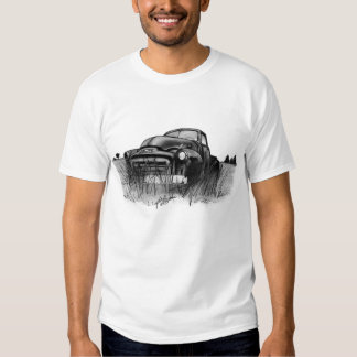 'Out to Pasture' Old GMC Truck in field Tee Shirt
