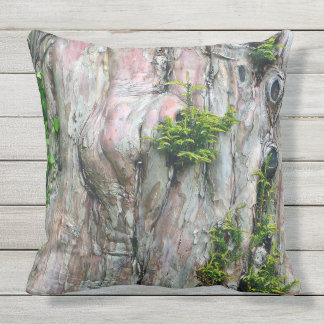 OUTDOOR THROW PILLOW/TREE TRUNK, KNOT-HOLES,MOSS OUTDOOR PILLOW