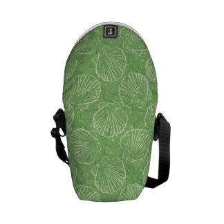 Outline seashells messenger bag