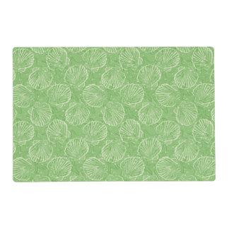Outline seashells placemat
