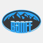 Óvalo coronado de nieve de Banff Alberta Pegatina Ovalada
