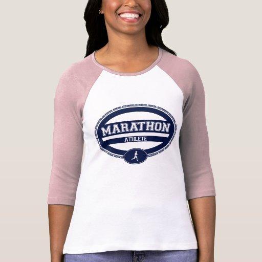 Óvalo del maratón para los atletas y los espectado camisetas
