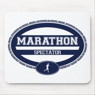 Óvalo del maratón para los atletas y los espectado tapete de ratón