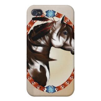 Óvalo emplumado del caballo de la pintura iPhone 4 funda