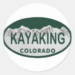 Óvalo Kayaking de la licencia Etiqueta Redonda