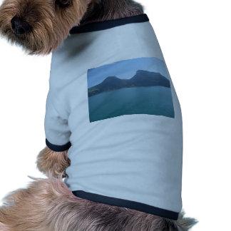 Óvalo natural entre las colinas, lago Thun, Suiza Camiseta Con Mangas Para Perro