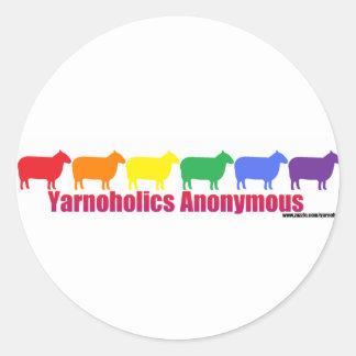 Ovejas anónimas del arco iris de Yarnoholics Pegatina Redonda