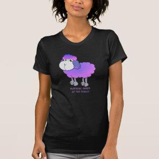 Ovejas bisexuales de la familia camiseta