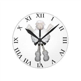 Ovejas blancas reloj redondo mediano