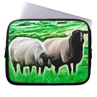 ovejas de cabeza negra que pastan funda portátil