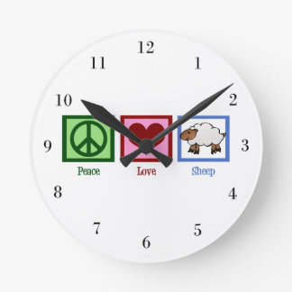 Ovejas del amor de la paz reloj redondo mediano