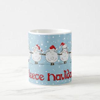 Ovejas DIVERTIDAS adorables del navidad de Navidad Taza Básica Blanca