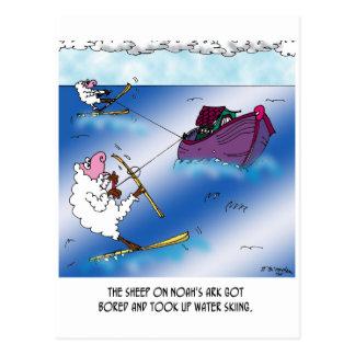 Ovejas en el esquí acuático de la arca tarjetas postales