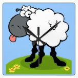 ovejas enrrolladas que pegan hacia fuera el reloj
