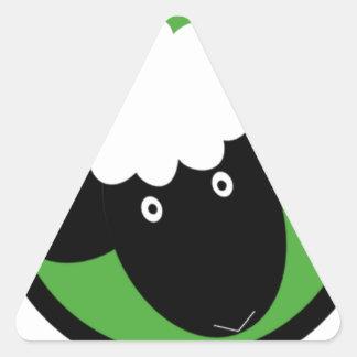 Ovejas felices pegatina triangular