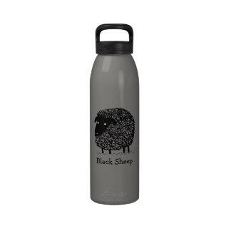 Ovejas negras con el texto de encargo botella de agua reutilizable