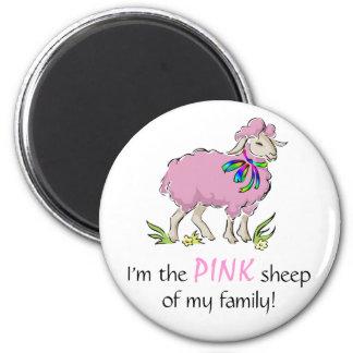 Ovejas rosadas de la familia imán de frigorífico