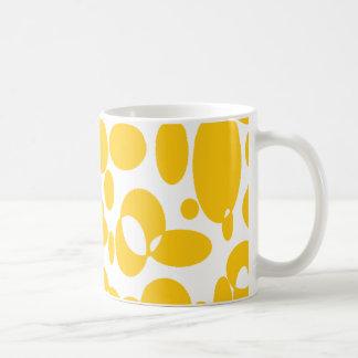 Overlapping Orange Cirlces Mug