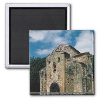 Oviedo, San Miguel de Lino, 9C, fachada del oeste, Imán