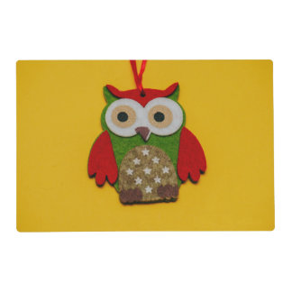 Owl decoration on a yellow background placemat